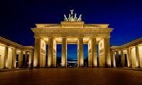 video-berlinde-en-iyi-turistik-ve-mutlaka-yapilmasi-gereken-seyler-izle